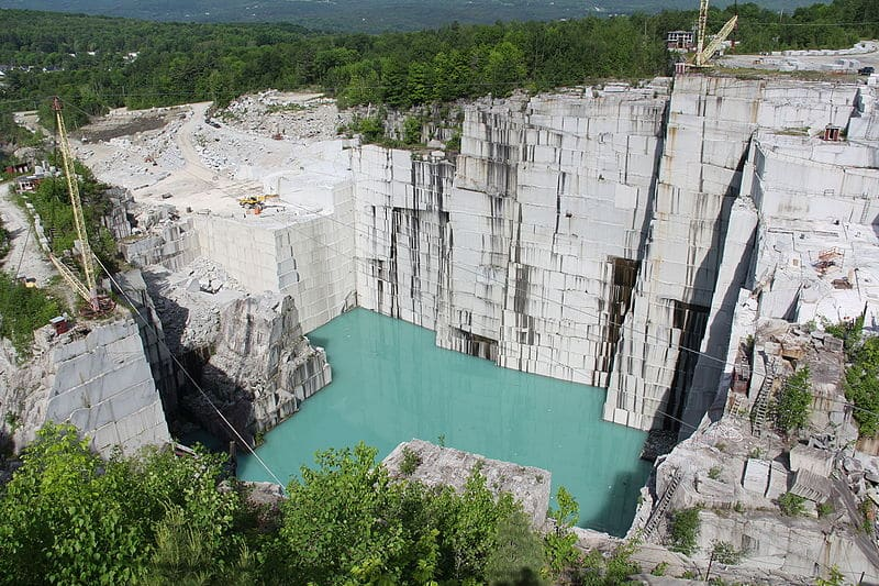 how granite looks like before polishing in a quarry